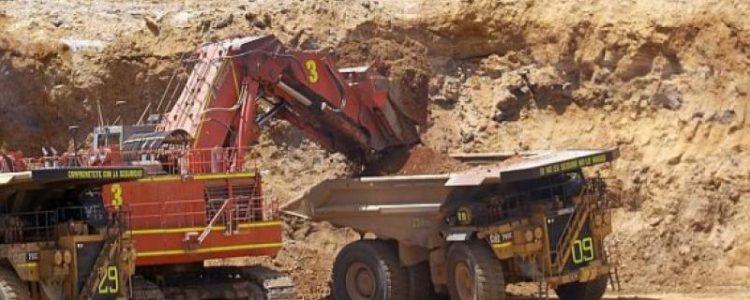 El proyecto mineroTía María,ubicado en Arequipa, podría iniciar su etapa de construcción en el 2019, estimó hoy elviceministro de Minas, Luis Incháustegui.  Indicó que la referida mina está incluida en una cartera de proyectos mineros cuya activación está prevista para el próximo año, con una inversión comprometida de US$3,441 millones.  Sin embargo, Incháustegui aclaró que el inicio de la construcción de la[…]